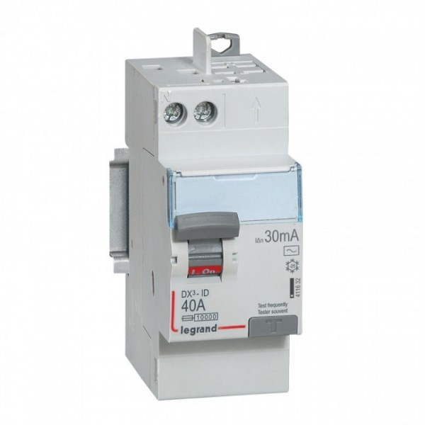40A 30mA Type AC LEGRAND DX3 Interrupteur différentiel vis/auto - 411632